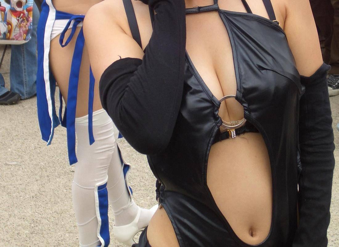 【コスプレエロ画像】ポロったら教えて下さいwおっぱい目立たす巨乳レイヤー(;´Д`)