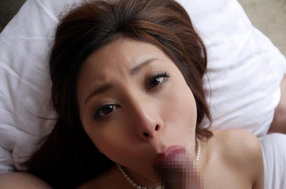 【フェラチオエロ画像】どこで覚えたのかも気になる女の男根ご奉仕!(;^ω^)