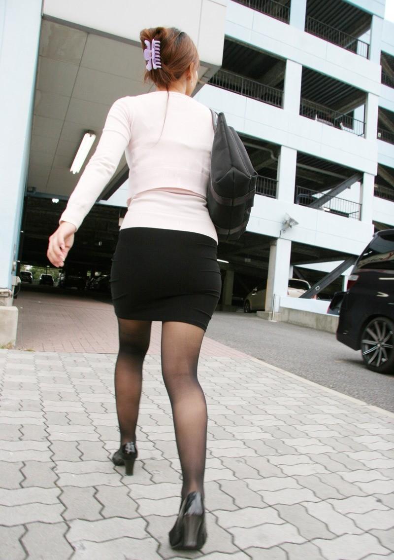 【着尻エロ画像】大きい人ほどよく似合うwタイトスカート着尻(;´∀`)