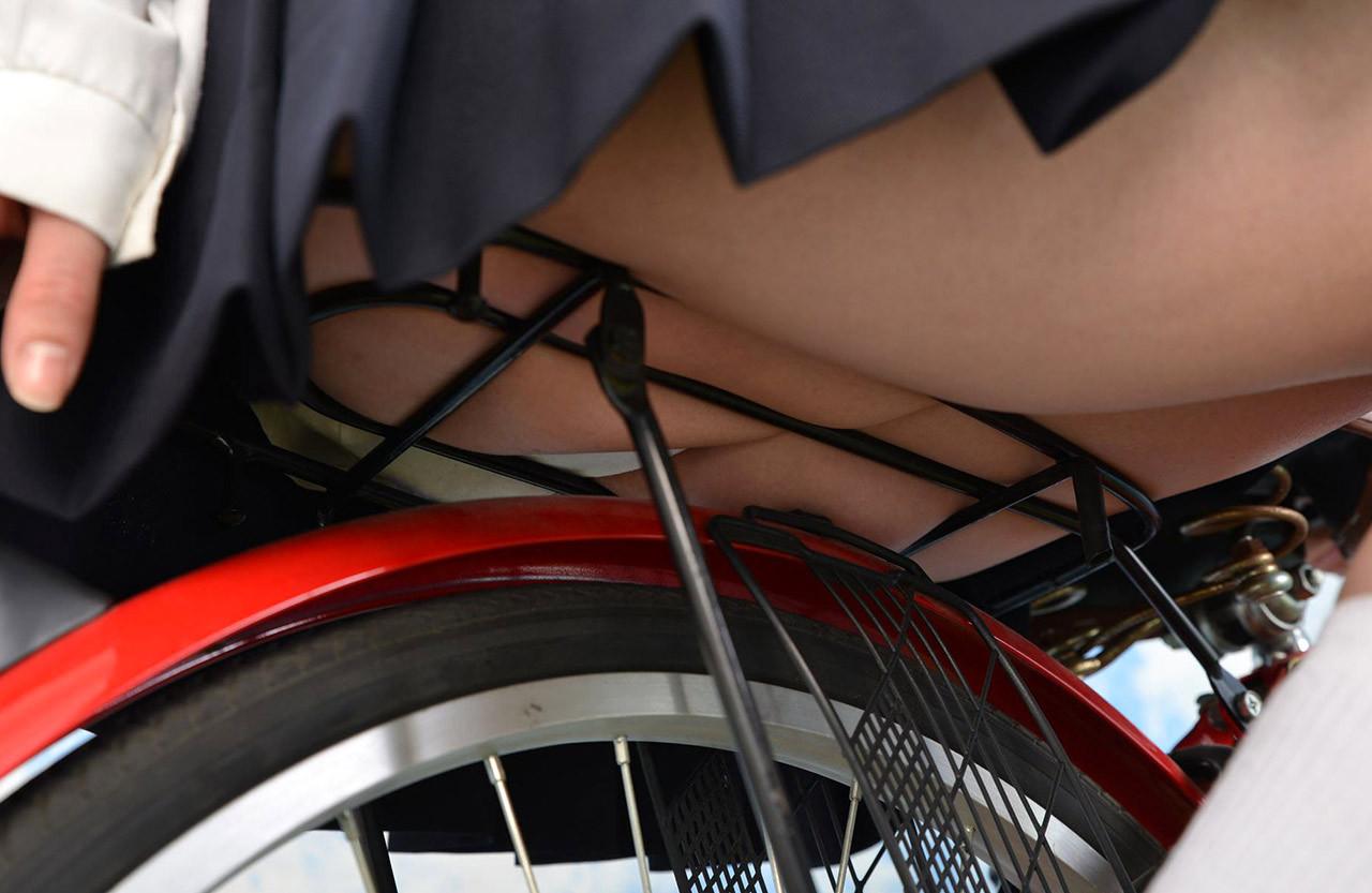 【美尻エロ画像】重量感が…サドルを跨いだ絶品美尻たち(;・∀・)