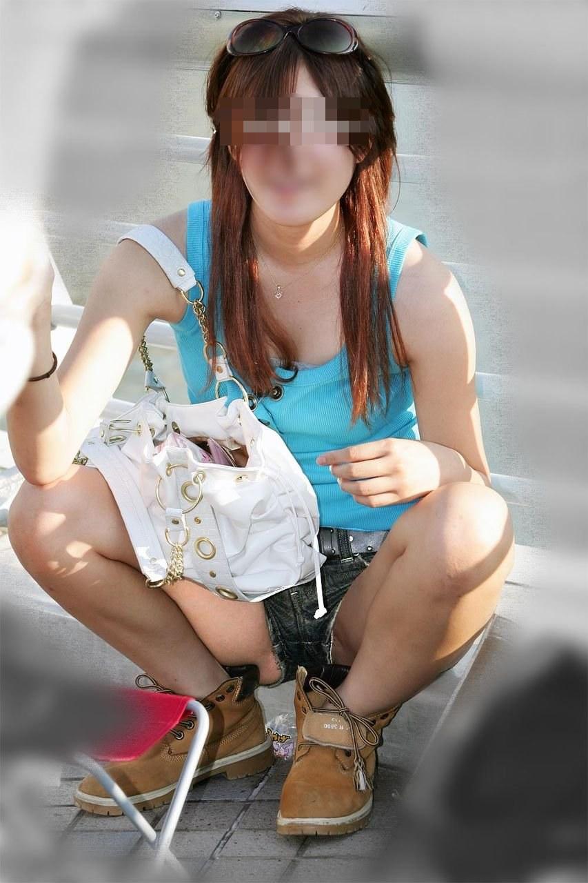 【美脚エロ画像】ショーパンが超似合っている街の女性たちの絶品下半身!(;´∀`)