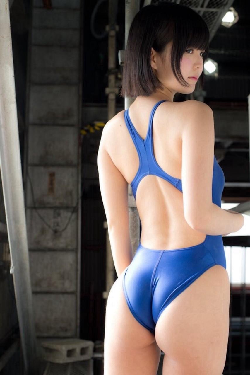 【水着エロ画像】ハミ出しが様式美!競泳水着美女たちのワガママ美尻(;´∀`)