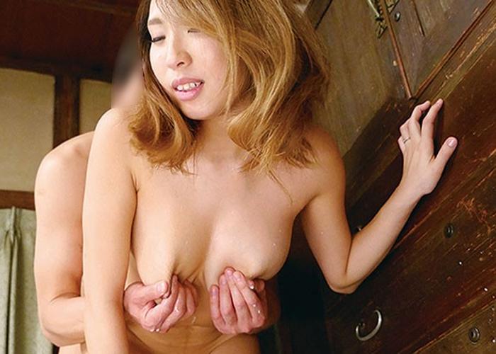 【エロ動画】母乳が出まくる奥様、旦那だけでなく義息子ともミルクまみれ!(;゚∀゚)=3 02
