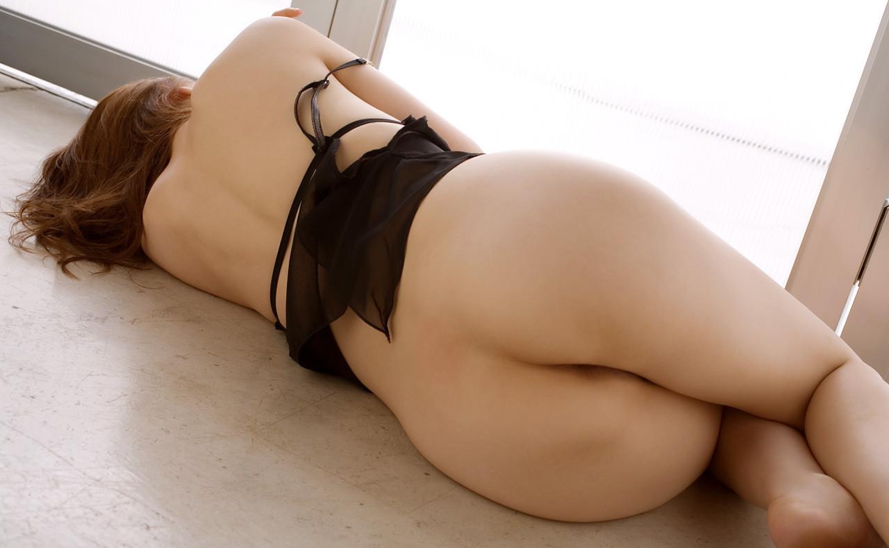 【美尻エロ画像】横になってる姿は何故か惹かれる寝た生尻!(;^ω^)