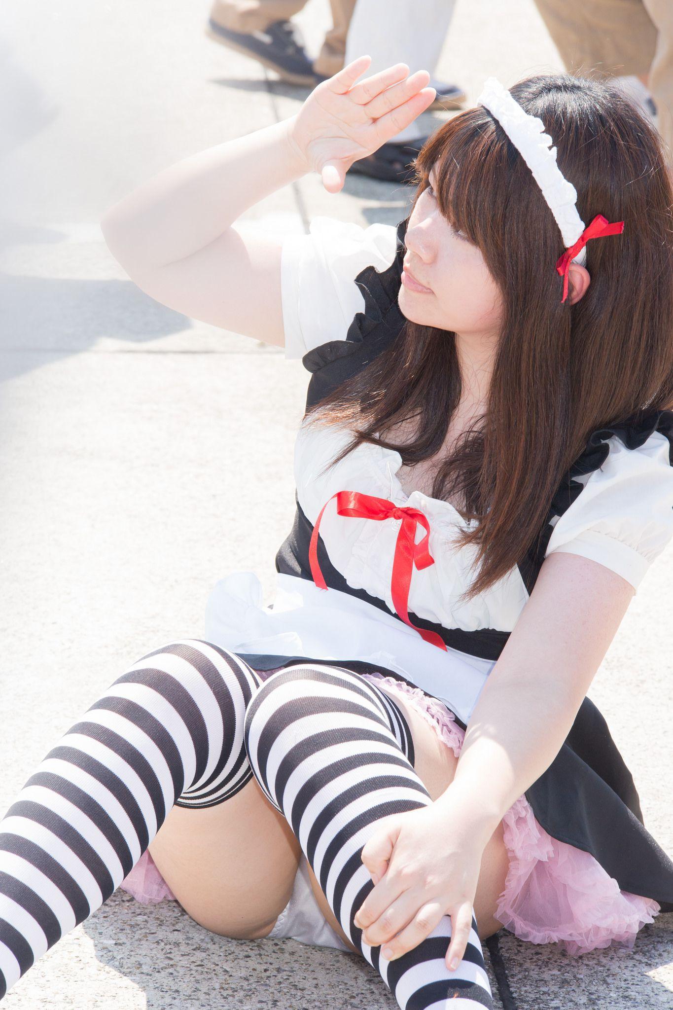 【コスプレエロ画像】直履きだといいな…コスプレイヤーのパンツ!(;´Д`)