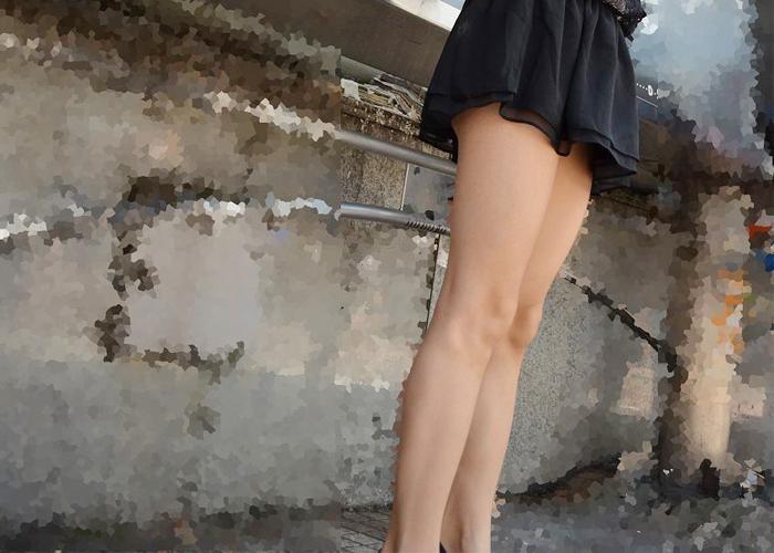 【美脚エロ画像】この後でパンツを狙いましょうw素晴らしきミニスカ美脚たち 表紙
