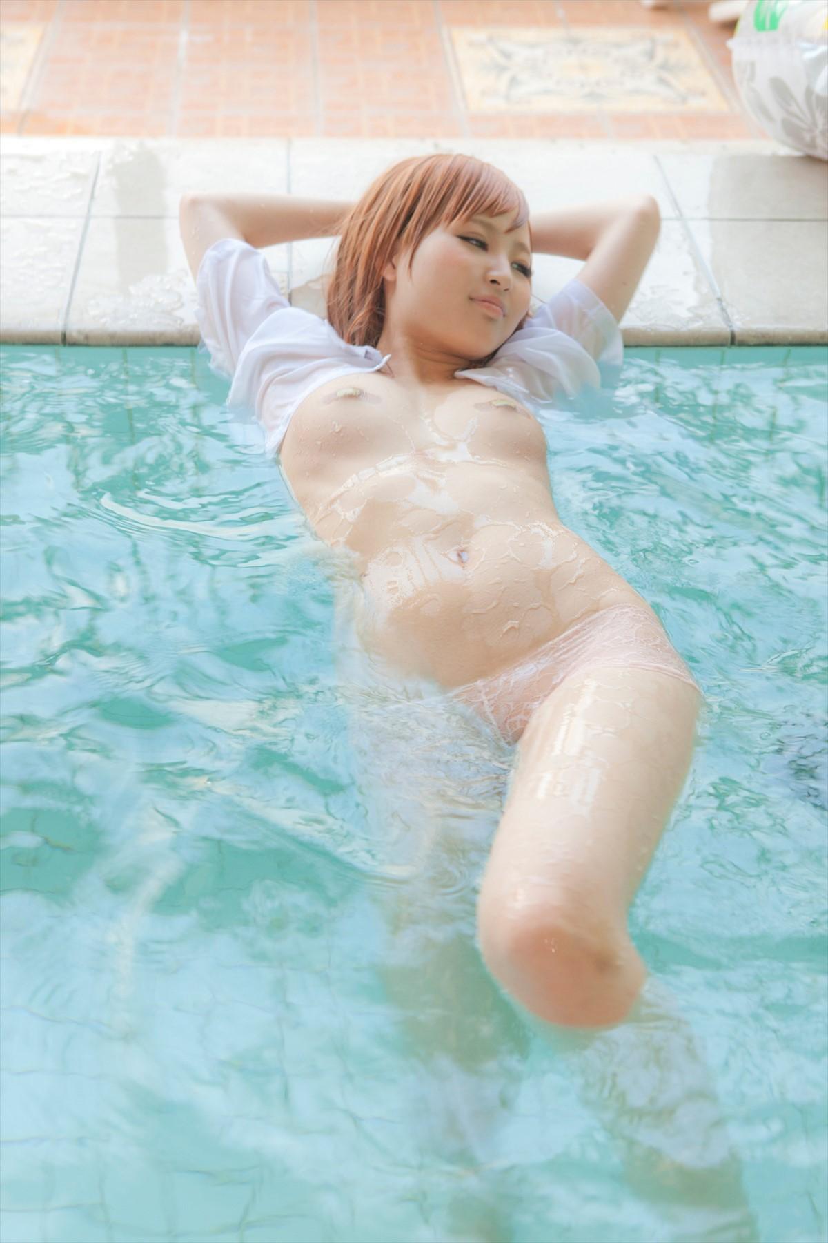 【着エロ画像】剥がしたら何出て来る?絆創膏で封じられた女体(;゚Д゚)