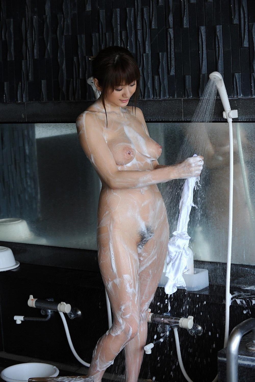 【入浴エロ画像】綺麗にした後でまた汗まみれになる予定の洗体美女(;・∀・)