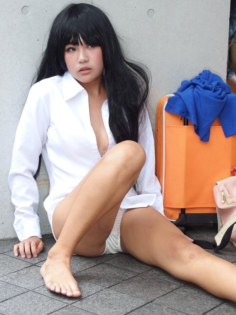 【コスプレエロ画像】コスプレの世界でも女の脚はムチムチ位がベスト!(;´∀`)