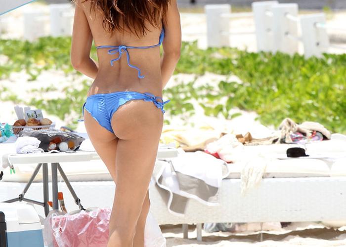 【水着エロ画像】Tバック率が圧倒的に高い海外ビーチの極上ビキニ尻!(;´Д`) 表紙