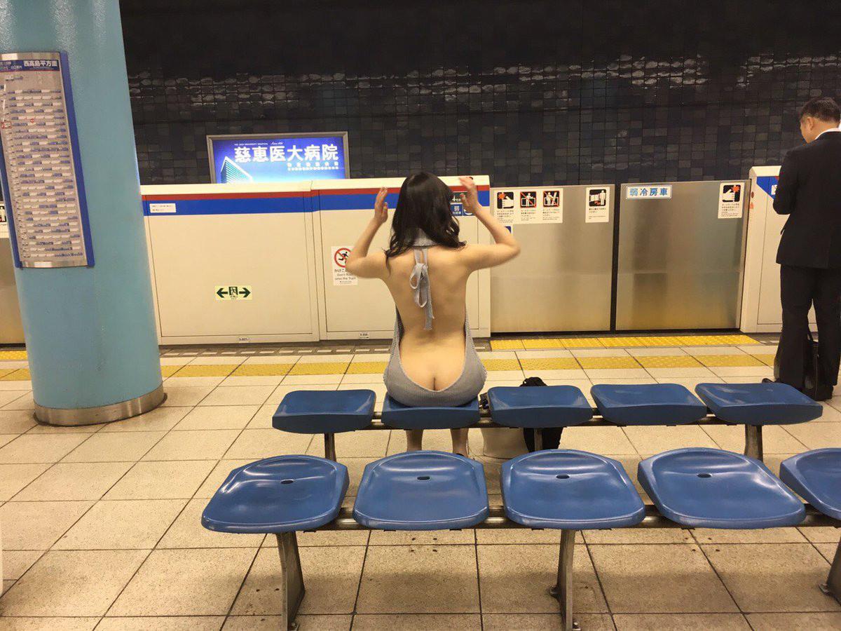 【美尻エロ画像】童貞を殺すのは乳だけじゃない!破壊力高めの半ケツ(;゚Д゚)