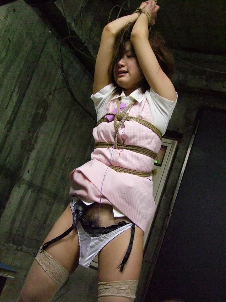 【緊縛エロ画像】いかにイヤらしく見えるかが肝の緊縛!苦しそうだけど…(;^ω^)