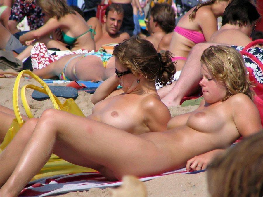 【海外エロ画像】まさしく楽園なヌーディストビーチに行ってみたい!(;´∀`)