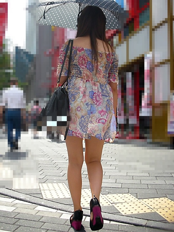 【美脚エロ画像】モデル級多過ぎw街角の目を引く美脚チェック(;^ω^)