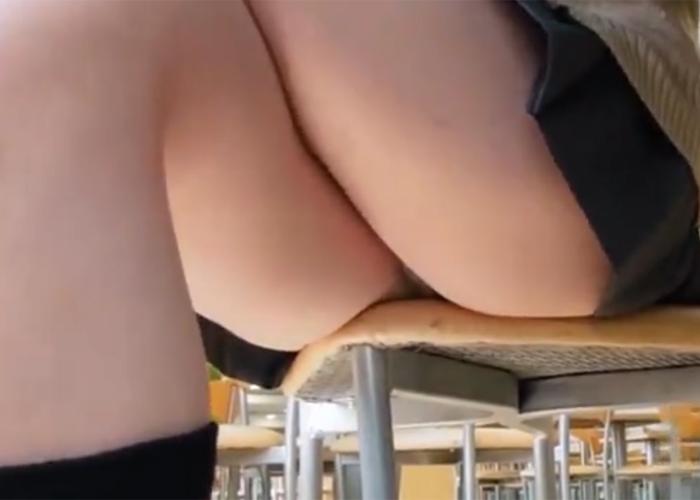 【エロ動画】テーブル下からパンツと太もも見られっ放しのJK!(;゚∀゚)=3
