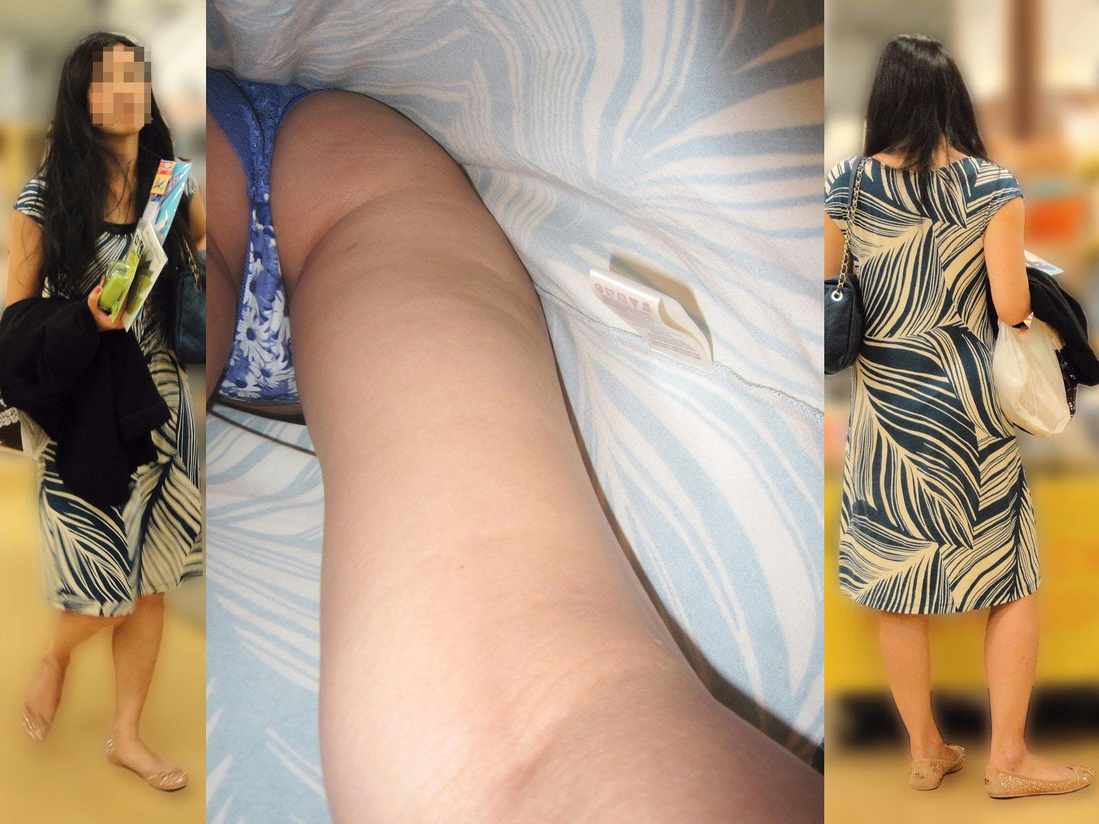 【パンチラ画像】確実にスカート内部を見た!プロの逆さ撮りパンチラ(;・∀・)