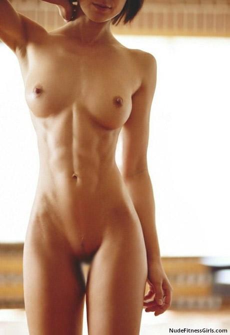 【腹筋エロ画像】硬い腹も悪くはない…整った腹筋自慢な美女たち(;´Д`)