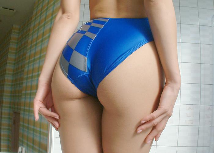 【水着エロ画像】どう履いてもいずれはハミ出る競泳水着姿の尻!(;^ω^)