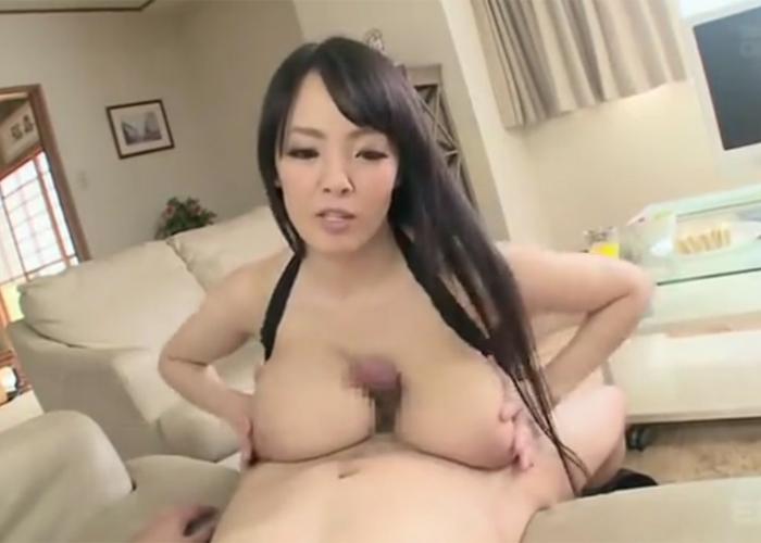 【エロ動画】超乳なお姉さんの生ハメ誘惑に勝てなくて…(;゚∀゚)=3