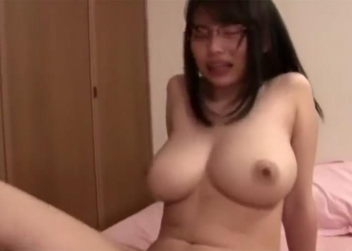 【エロ動画】地味な眼鏡っ娘だけど絶品巨乳ボディな彼女とヤリ放題!(;゚∀゚)=3