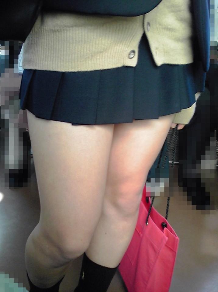 【美脚エロ画像】太くなくては名前に反している!ムッチリしてこそ女の太もも(;´Д`)