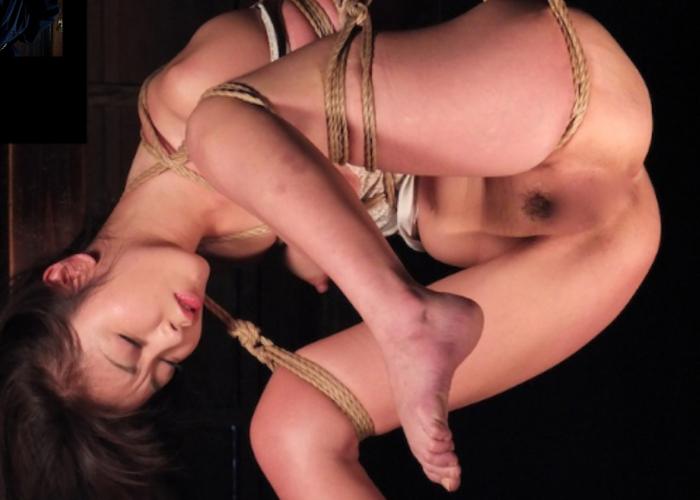 【SMエロ画像】動かなくても苦痛!宙吊り緊縛されているM女たち(;・∀・) | 可愛いエロ画像盛り沢山! 表紙