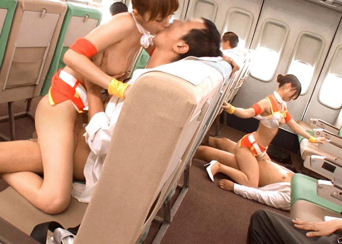 【エロ動画】フライトから温泉までイヤらしくもてなしてくれる痴女集団!(;゚∀゚)=3 02