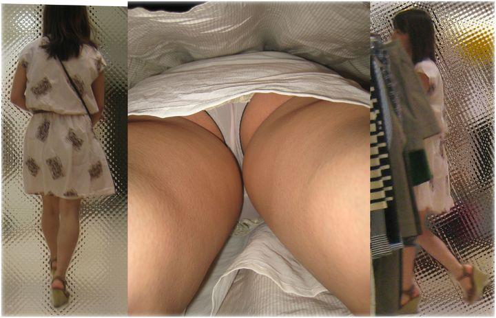 【パンチラエロ画像】日差しキツいから潜り込ませて…逆さ撮りパンチラ(;´Д`)