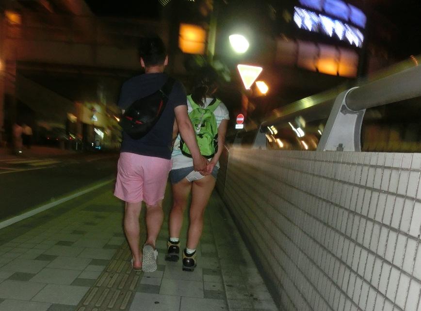 【悪戯エロ画像】昭和の少年なら許されていたスカート捲り(;^ω^)