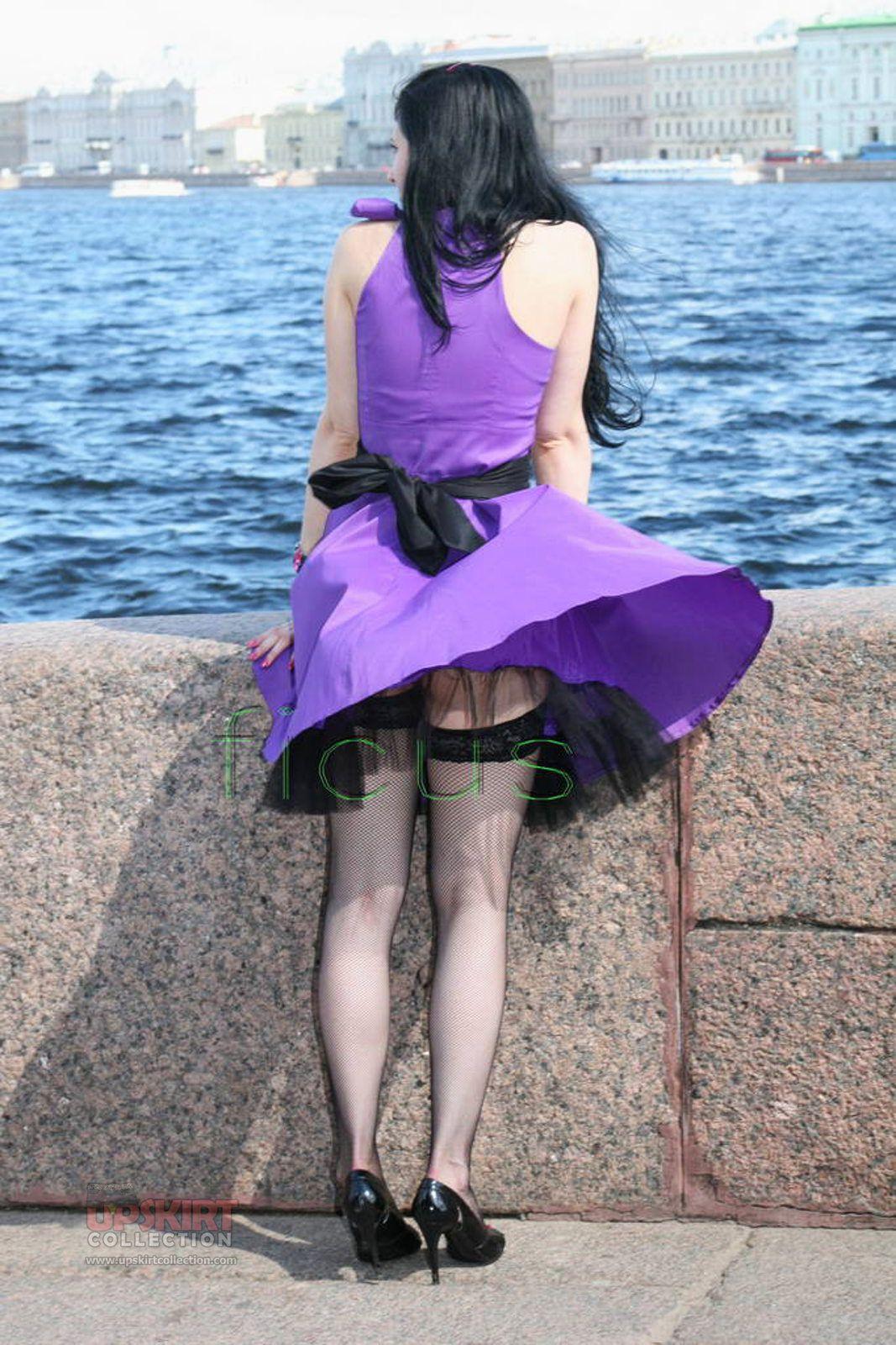 【パンチラエロ画像】スカートは風に任せた外人さん達の風チラの瞬間!(;^ω^)