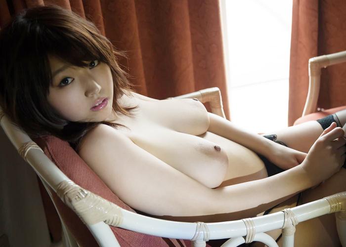 ムッチリ美巨乳・松本菜奈実のエロ画像