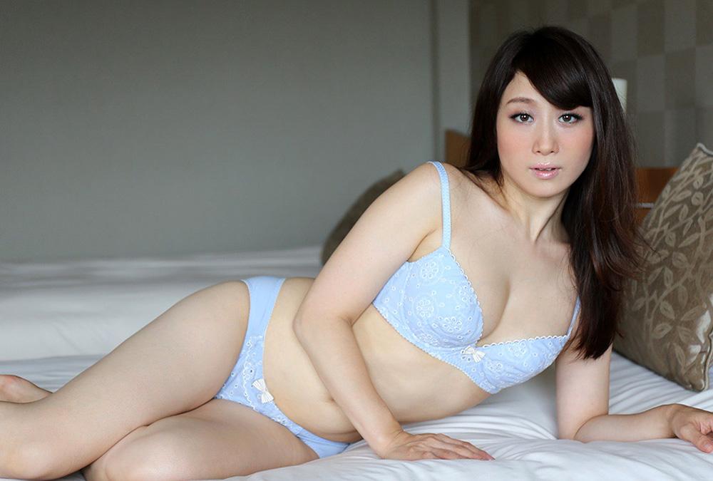 【川上ゆうエロ画像】美白美乳そして筋金入りのドM!美熟女川上ゆう(゚A゚;)