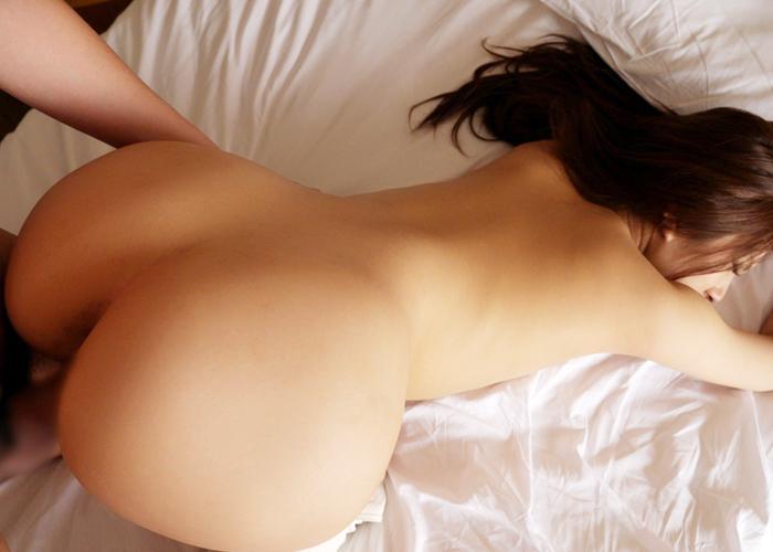【性交エロ画像】凄い締め付けが味わえるかもしれない後背位セックス!(;´∀`)