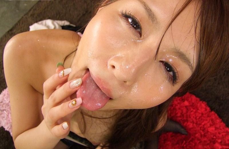 【顔射エロ画像】幸せそうな表情の真偽を知りたい美女たちの顔射(゚A゚;)