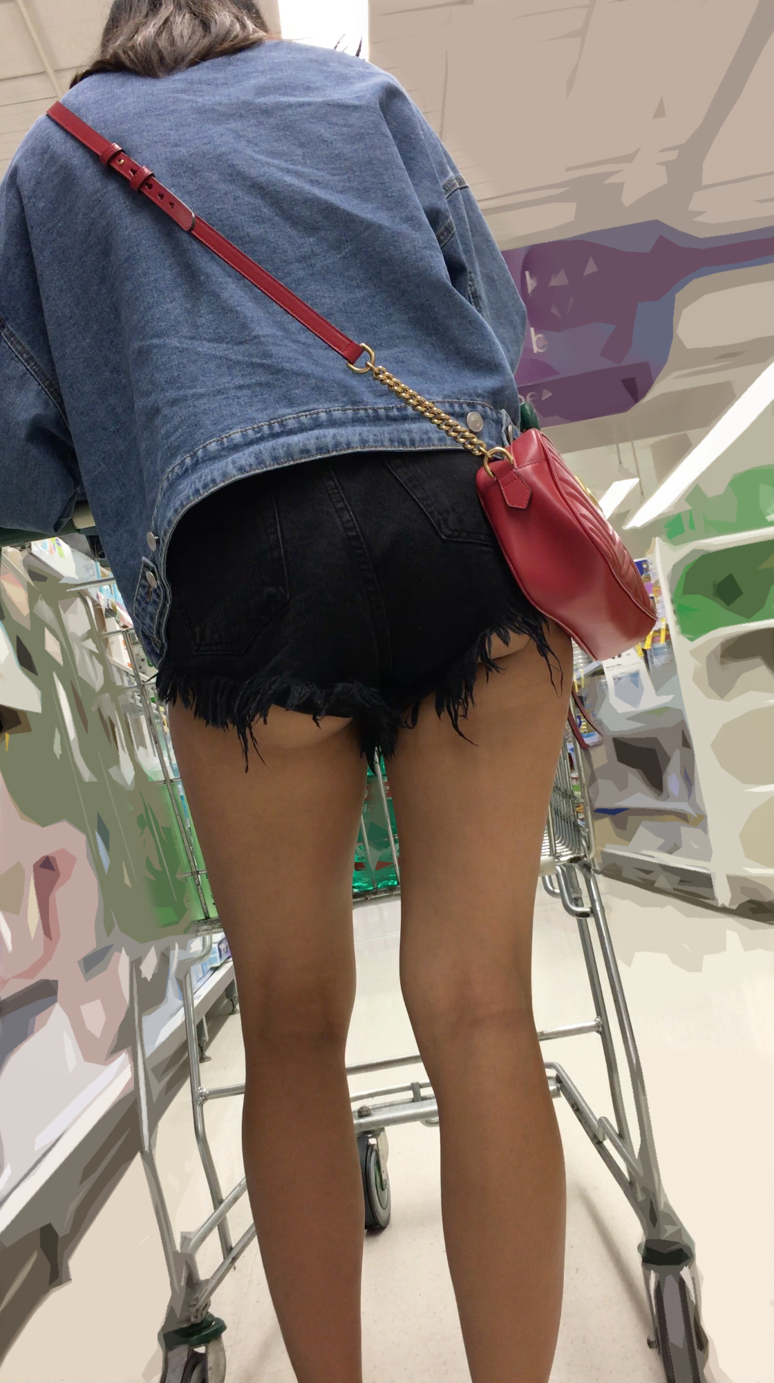 【ハミ尻エロ画像】自分の尻に自信があるから履けるホットパンツ!(;´Д`)
