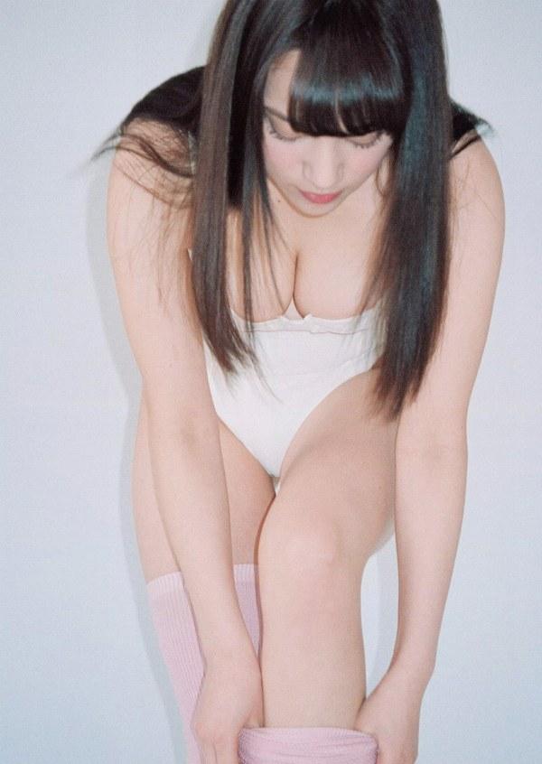 【都丸紗也華エロ画像】ビキニは常にハミ乳!人気急上昇中のグラドル都丸紗也華!(;´Д`)