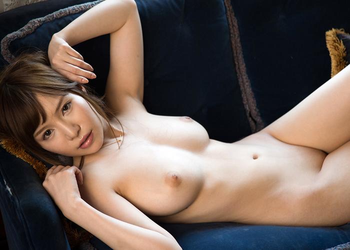 Hカップ絶品ボディ美女・葵のエロ画像