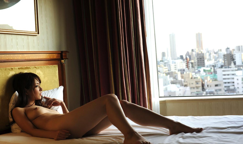 【ティアエロ画像】美巨乳美巨尻ゴージャスボディ!南国ハーフ美女・ティア(;´Д`)