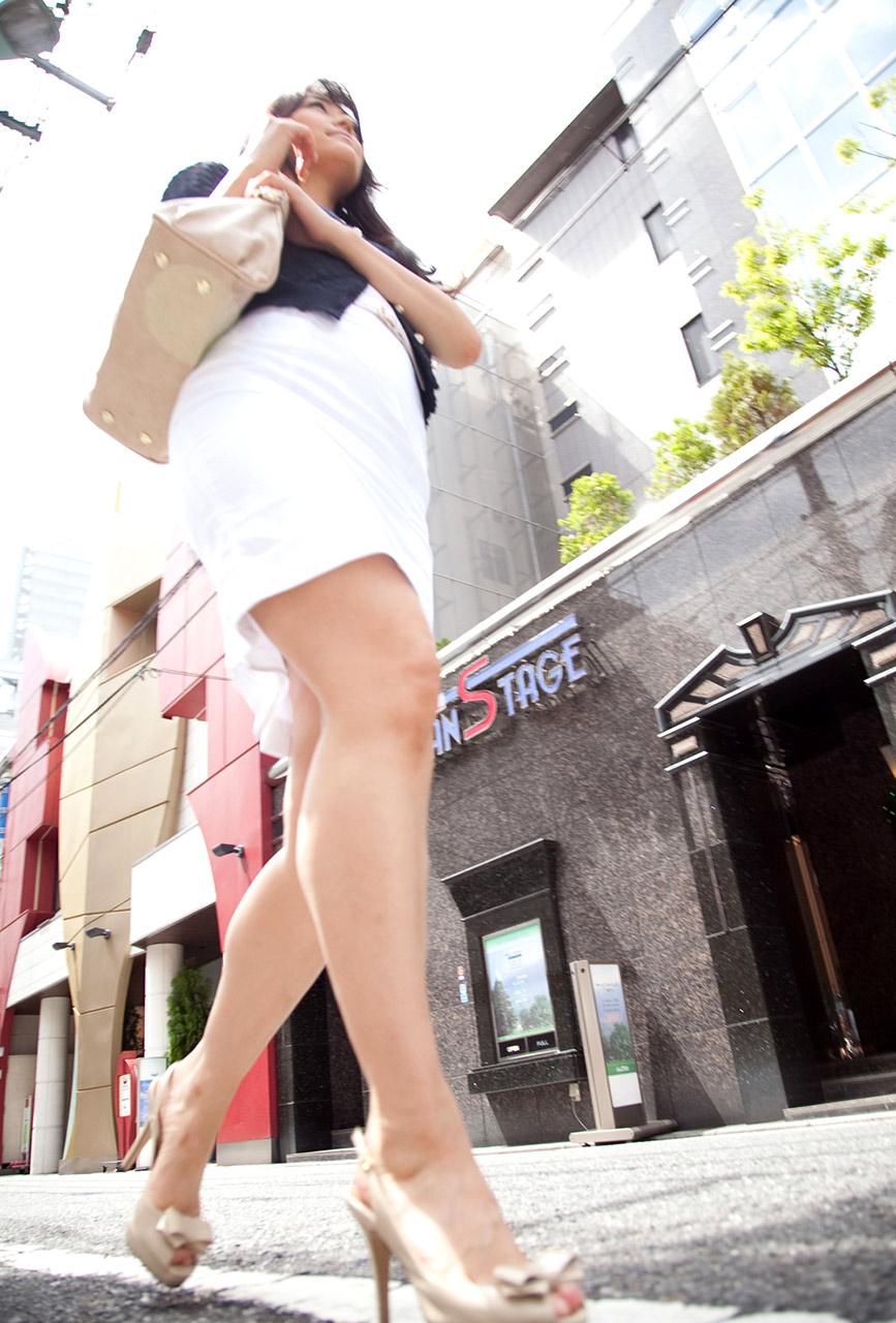 【西野翔エロ画像】大量潮吹きお姉さん!今は国民の人妻なAV女優・西野翔(;^ω^)