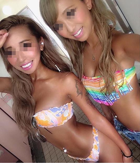 【水着エロ画像】女友達のを保存してナニに…そそるから仕方なしビキニ乳(;´∀`)