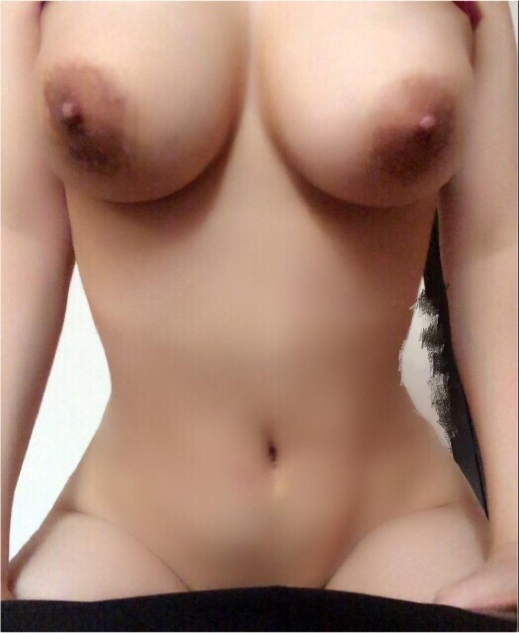 【自撮りエロ画像】大きい程に惹かれる…どこかに必ずいる巨乳女神達!(;゚Д゚)