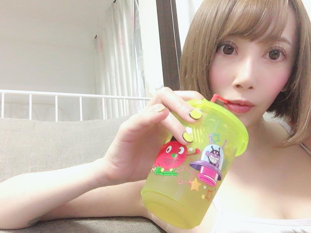 【希咲あやエロ画像】色白スレンダーボディー!なにより最高の極小の美マン!
