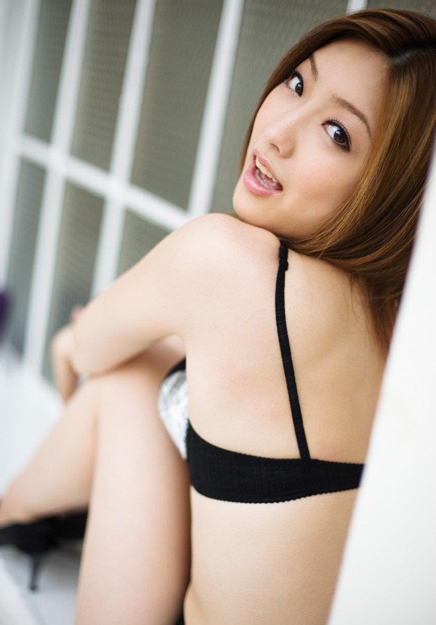 【羽田あいエロ画像】復活!羽田あいのムッチリ長身美白ボディ!(;´∀`)