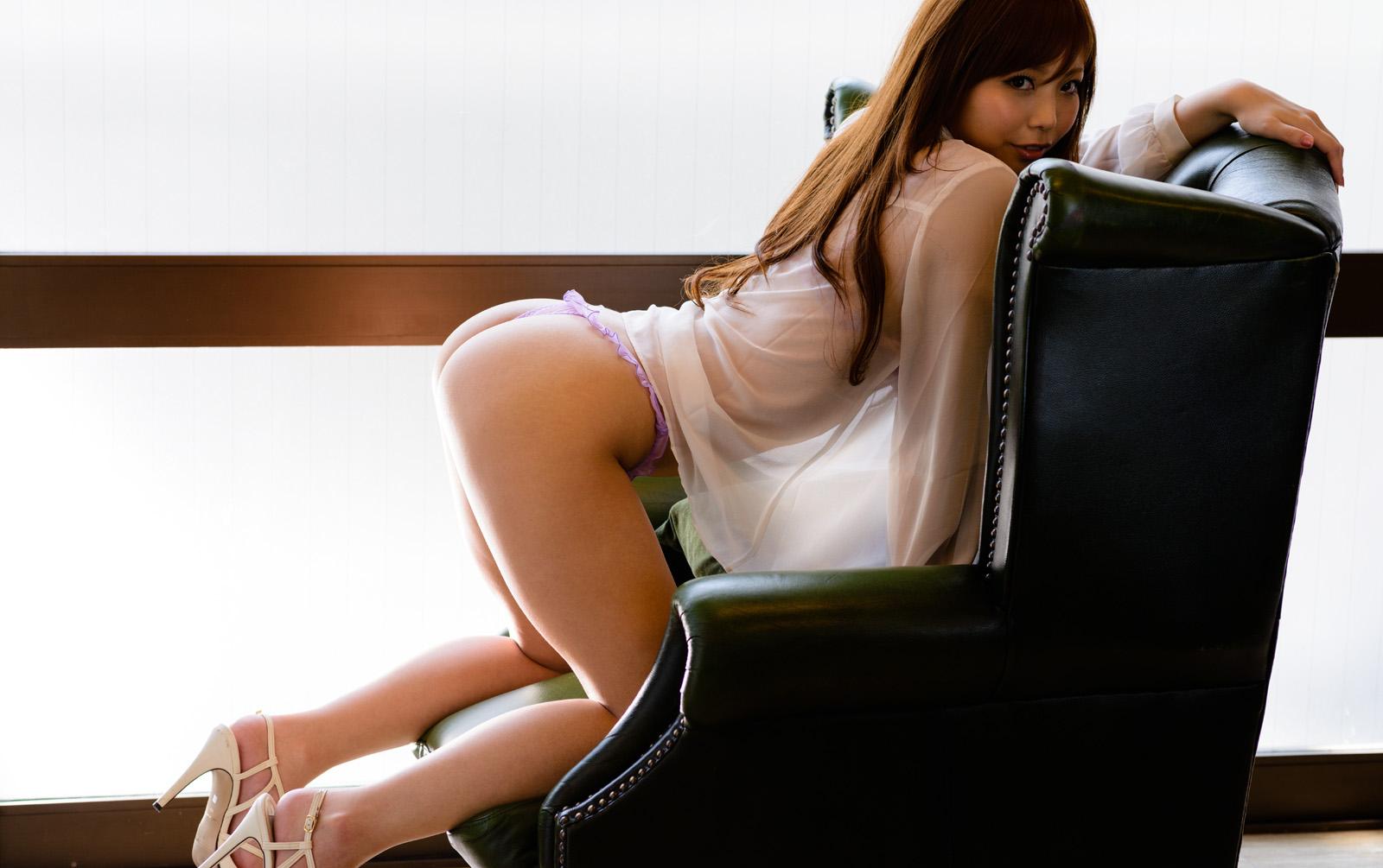 【神ユキエロ画像】見事に神った極上ヒップ!神尻と言われる美女・神ユキ(;´Д`)
