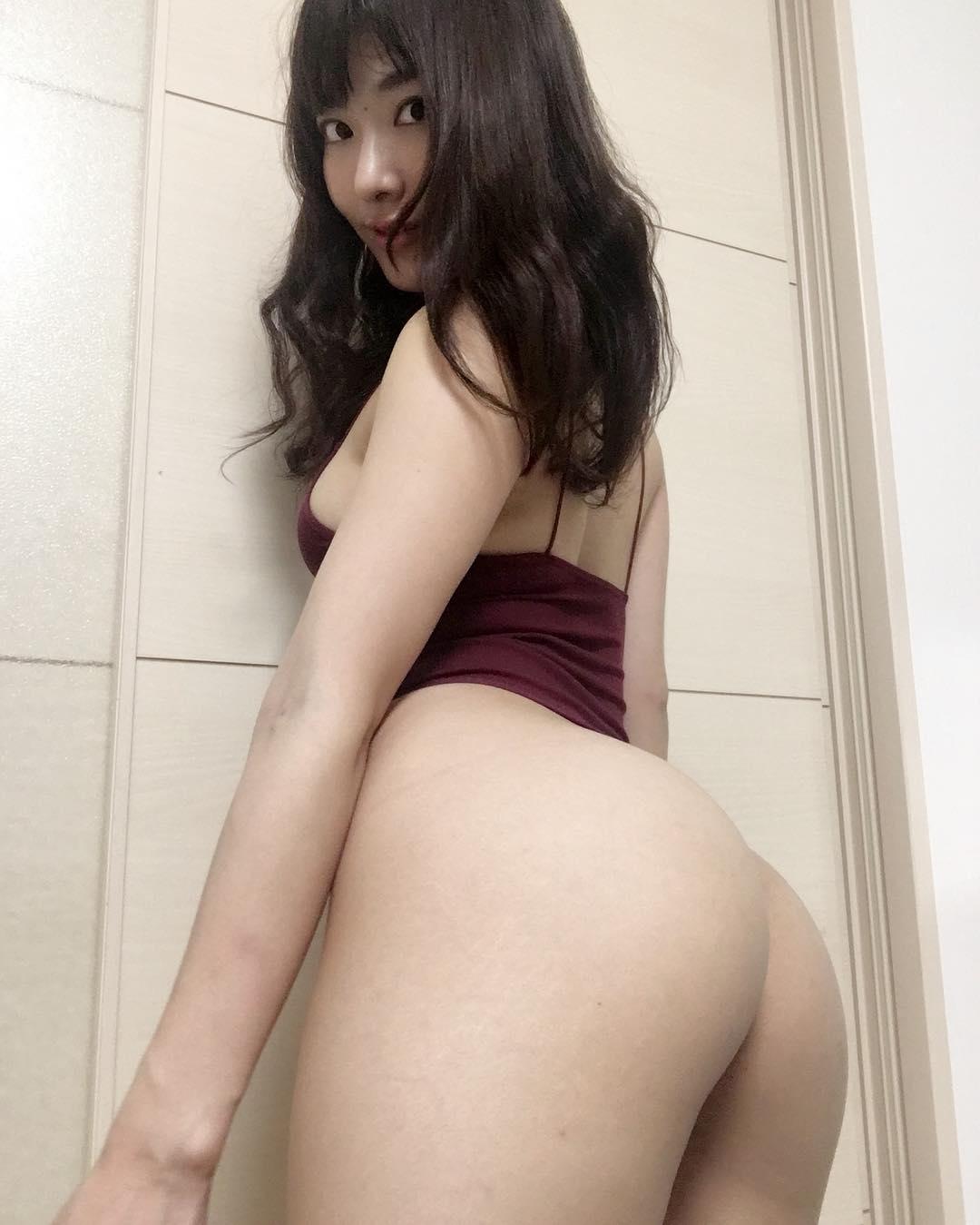 【由愛可奈エロ画像】尻肉は動かせますw凄いプリケツの持ち主・由愛可奈!(;´∀`)