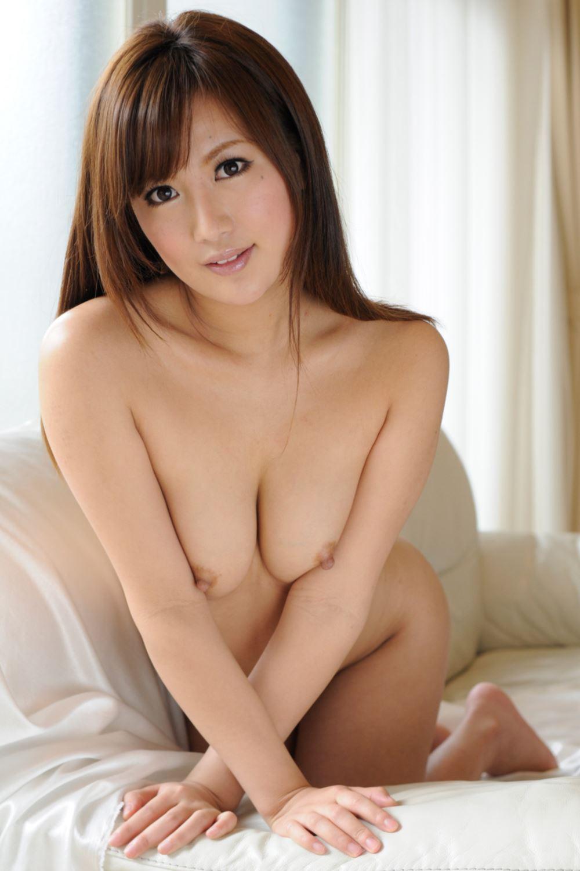 【水谷心音エロ画像】小麦色美乳ボディが超健康的!水谷心音の裸身と痴態(;´Д`)
