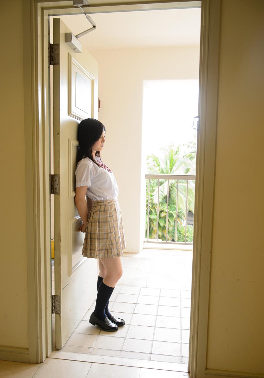 【古川いおりエロ画像】微乳美巨尻のエッチ好き黒髪美人・古川いおり!(;´∀`)