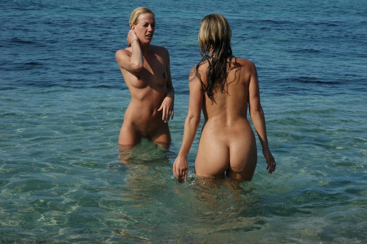 【ヌーディストエロ画像】全裸で過ごすのが常識!海外ヌーディストビーチ(;゚Д゚)