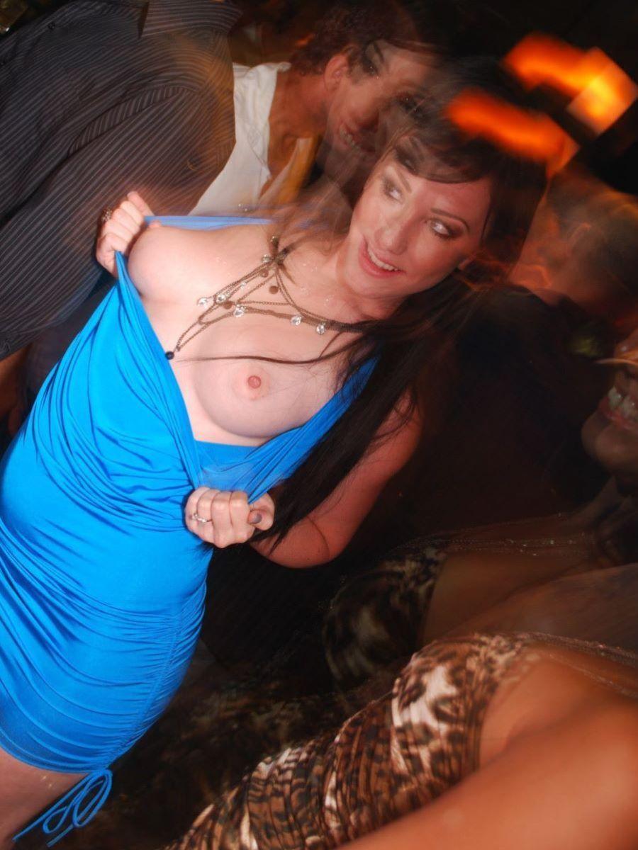 【ハプニングバーエロ画像】初対面の女性とハプニングバーで交わってしまったww