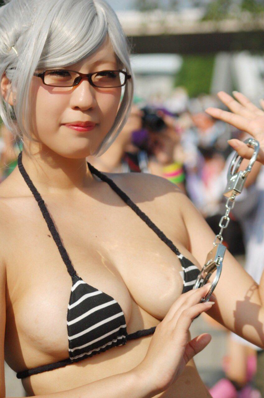 【コスプレエロ画像】おっぱい大きいコスプレ女子は主張するのが好き過ぎる(;゚Д゚)